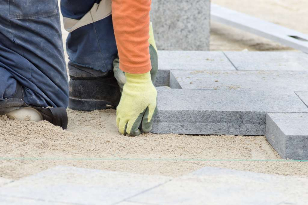 How Deep to Dig for Pavers