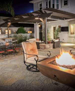 Outdoor Fire Pit and Fireplace Contractors